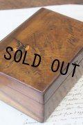 希少 アンティーク モシュリンヌ 大振りの木製ボックス 可愛いツバメ(刻んだ後に色付) オリーブの木 美品 15×10.2×H6.2cm