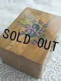 手書きの可憐なスミレとミモザの花束 アンティーク モシュリンヌ オリーブの木製ボックス 11.8×8.6×H 6.2cm 1900年代初期製