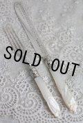 お買い得 1869年 英国シェフィールド ヴィクトリアン・シルバー マザーオブパール 純銀製 大振りなデザートナイフ&フォーク セット