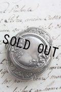 お買い得 1800年代後期 フランス製 全面に優美なアールヌーボ象嵌 純銀製(800/1000)ピルケース・錠剤入れ 鏡付き