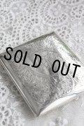 美品 1906年 アンティークシルバー 純銀製 シガレットケース 大切な小物入れとしても! 全面エングレービング 8.5×7.5cm 90g