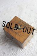 お買い得にて 希少 アンティーク 可愛いツバメ モシュリンヌ オリーブの木 ジュエリー ボックス 幅10.2cm