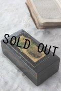 お買い得 黄色い薔薇 アンティーク モシュリンヌ小箱 すずかけの木 10.5×5.2×4.0cm 1900年代初期 スコットランド製